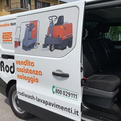 Decorazione furgone one-way e intaglio