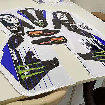 Adesivi sagomati per motocross con laminazione Crystal